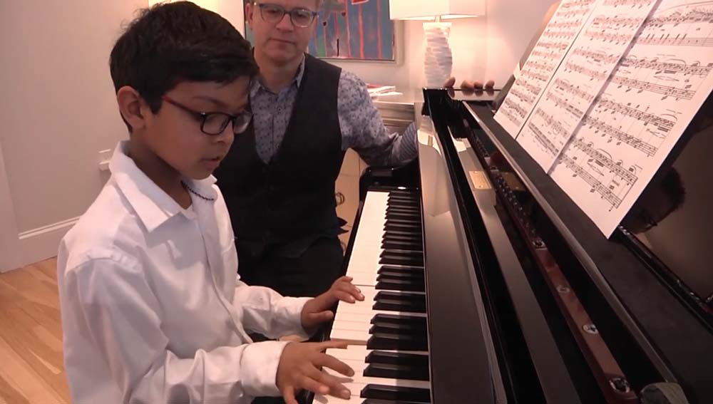 Why Singing & Playing The Piano Are Excellent Kids Activities